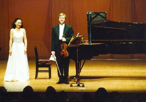 Po Sonatině pro housle a klavír od B. Martinů, 2001