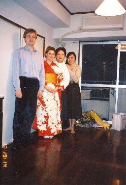 Po japonském turné Věra dostala kimono, 1998g