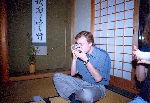 Den jsem zakončil čajovým obřadem, 2000